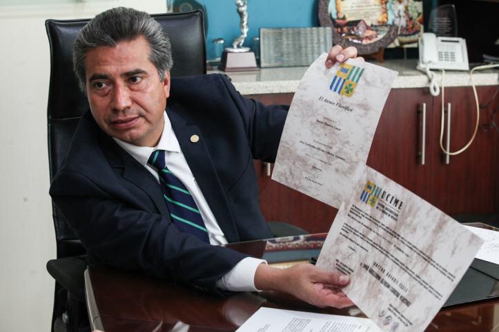Jose-Guillermo-Alfredo-Cabrera-Martinez-ex-decano-de-la-Facultad-de-Derecho-de-la-Universidad-Da-Vinci-5-min